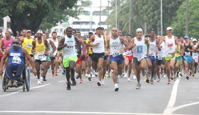 A tradicional Corrida Sagrada abre o calendário de corridas de rua na Bahia (Foto: Divulgação A Tarde)